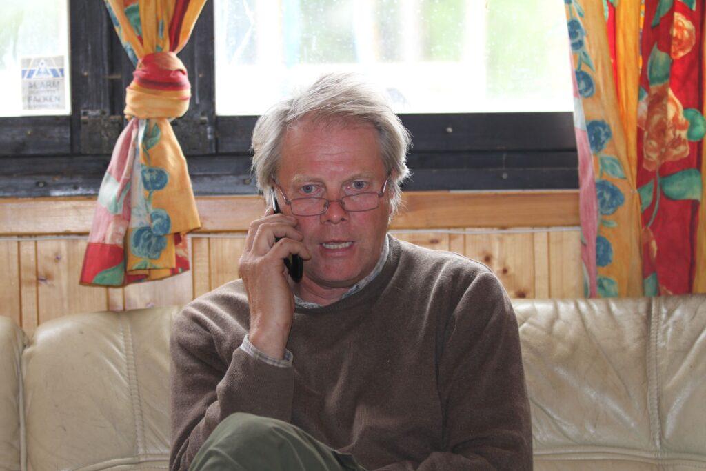 Erik Killingmo i telefonen