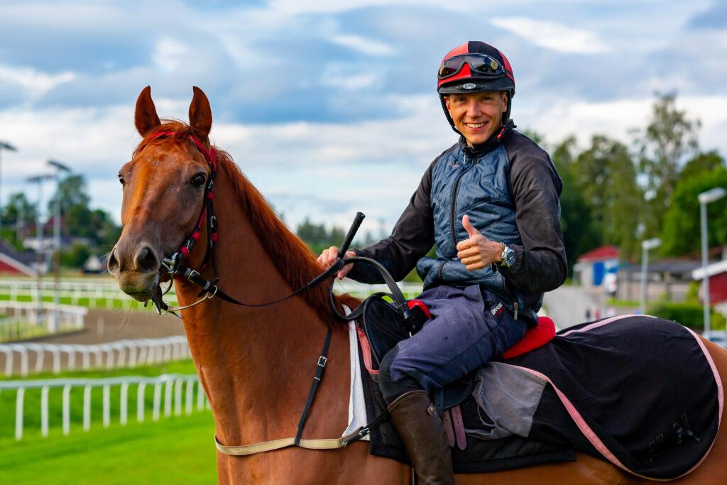 Jan-Erik Neuroth er klar for Norsk Derby 2021. Foto: Eirik Stenhaug
